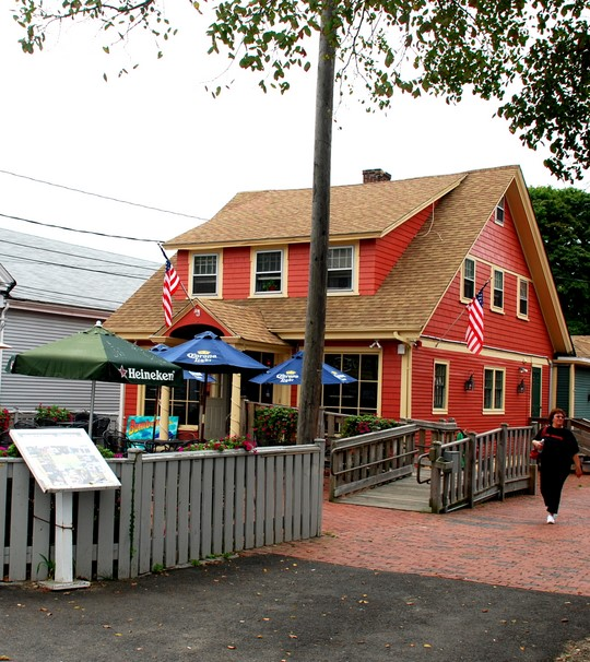 Bumbolini 39 s the beech tree bar in hyannis ma photo for Mass street fish house