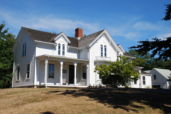Crowell House in Woods Hole, MA (Cape Cod)