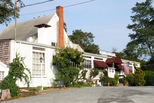 Duck Creen Tavern in Wellfleet, Massachusetts