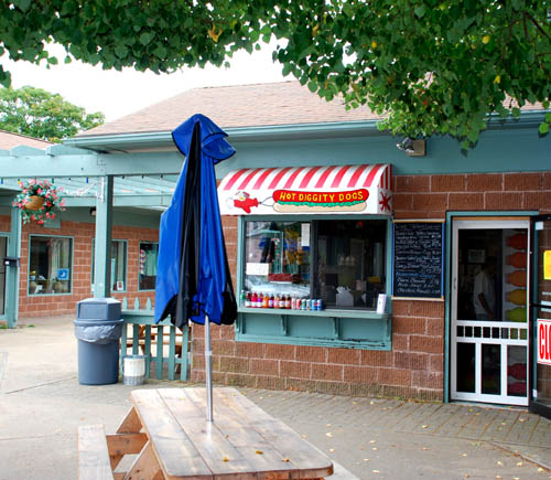 Hot Diggity Dogs in Hyannis, Massachusetts