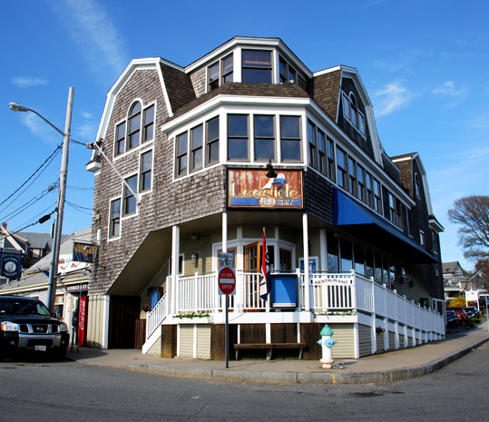 Leeside Bar & Grill in Woods Hole, Massachusetts
