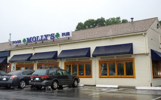 Molly's Restaurant & Pub in West Yarmouth, Massachusetts