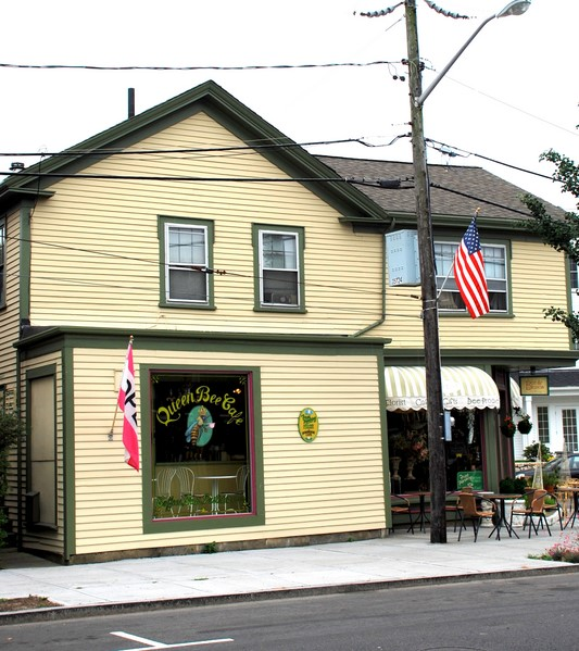 queen bee cafe in hyannis ma photo map location and more