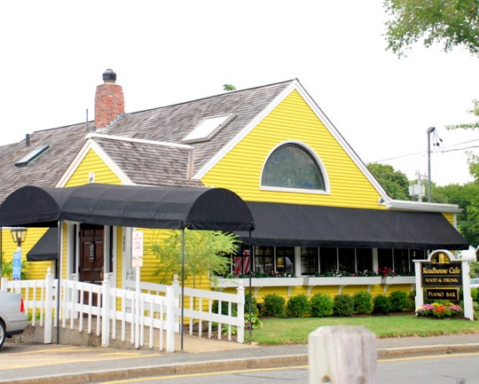 Roadhouse Café In Hyannis, Massachusetts