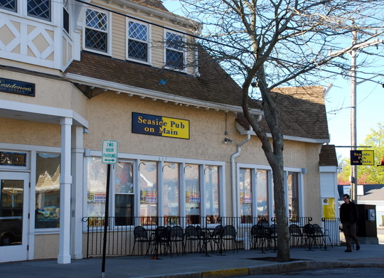 Seaside Pub on Main in hyannis, Massachusetts