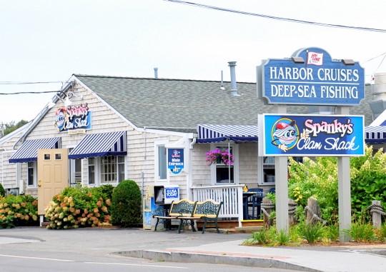 Spanky 39 S Clamshack Seaside Saloon In Hyannis MA Photo Descripti
