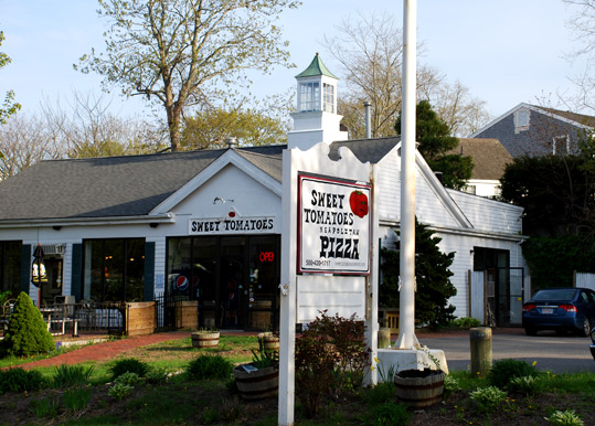 Sweet Tomatoes Pizza in Osterville, Massachusetts