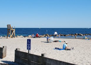 The beach-The beach in Falmouth, Massachussets (medium sized photo)